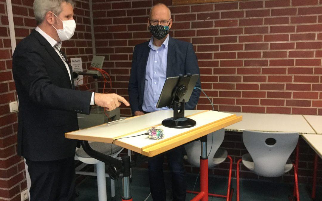 Landrat Engelhardt beeindruckt vom digitalen Unterricht